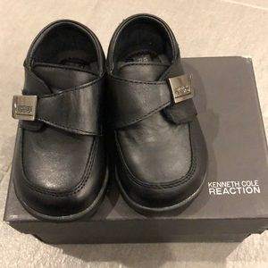 Kenneth Cole Reaction toddler dress shoes.